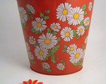 """Vintage Flower Power Metal Waste Basket J B Reed 1960s Orange Tin Daisy Graphics Kitchen Kitsch Wastebasket 9 1/4"""" High"""
