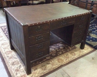 Gustav Stickley 9 drawer flat top desk with leather surface c1900