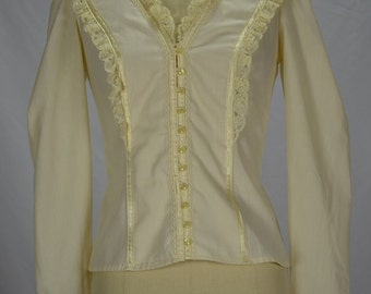 1970s Jessica's Gunnies Gunne Sax Boho Cream Blouse with Ribbon & Lace