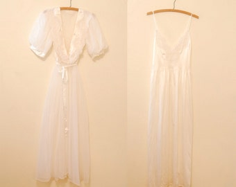 White Dressing Gown and Night Gown Lingerie Set - Late 1980s