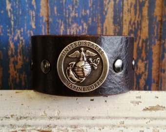 US Marines MEN'S Leather Cuff Bracelet> Soldier/ Honor Fallen Soldiers/ Military/ US Armed Forces/ Veterans/ Army/ Navy/ Air Force/ Jewelry