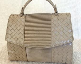 Vintage Bottega Veneta beige leather woven handbag purse