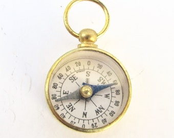 Vintage Compass- 1pc, 5pc Lots! Small Vintage brass glass top. watch chain fob. charm or pendant jewelry supply Bulk tiny mini m337