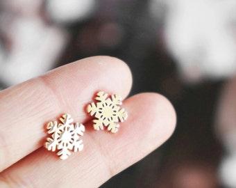 Snowflake earrings, snowflake Christmas gifts gift for her winter Christmas gift stud earrings sensitive skin jewelry snowflakes