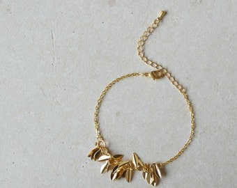 Leaves bracelet tiny golden bracelet friendship chain bracelet - LEAVES