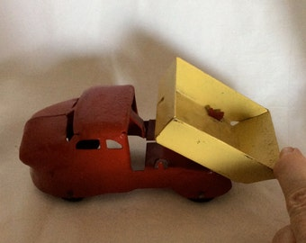Old Toys, Truck,Dump Truck, Metal Toy, Vintage Toy, Moveable Truck, Collectible Toys