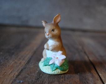 Vintage Homco bunny rabbit figurine - made in Sri Lanka