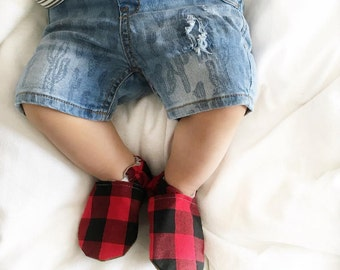 Buffalo Plaid Baby Shoes// Black Red, Lumberjack, Grunge, Infant Shoes, Baby Booties, Baby Slippers, Baby Mocasins Crib Shoes, Toddler Shoes