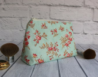 Country Chic Cosmetic Bag, Toiletry Bag, Zippered Makeup Pouch, Shabby Accessory Pouch - Shabby Cottage Chic Cosmetic Bag, Geometric Lining