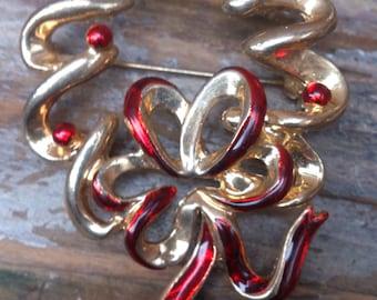 vintage festive wreath brooch