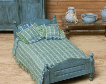 Shabby Chic Miniature Bed for Your Dollhouse
