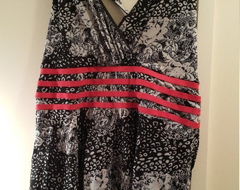 Vintage Sleeveless  blk/White/Red Gorgeous Strap Back Top