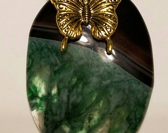 Beautiful  agate geode green 24  inch gold necklace