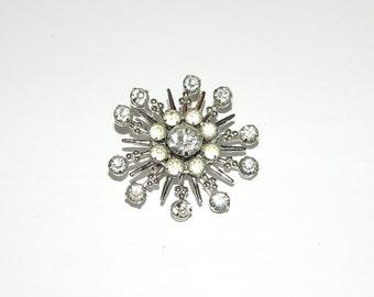 Vintage 1960s Silver and White Rhinestone Starburst Brooch