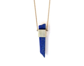 GEOMETRIC LAPIS NECKLACE - Lapis Lazuli stone/Raw brass cube/Brass chain