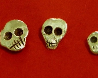 Small earrings skull