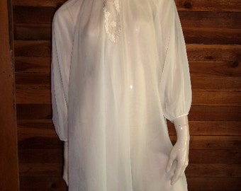Vintage Lingerie 1950's VAN RAALTE Ivory Double Chiffon Peignoir or Robe Medium