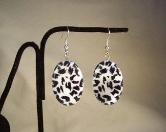 Black and White Shell Earrings, Animal Print Leopard Shell Earrings, Shell Earrings, Black Earrings, White Earrings, Oval Earrings
