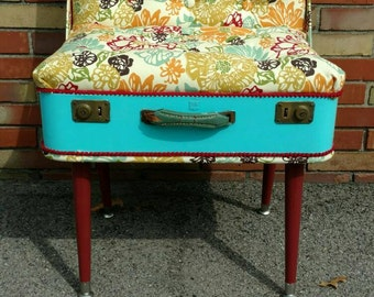 Suitcase Chair - Accent Chair - Retro Vintage Blue Luggage Floral Print Chair