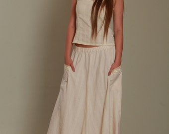 Maxi skirt in natural color with cotton lace