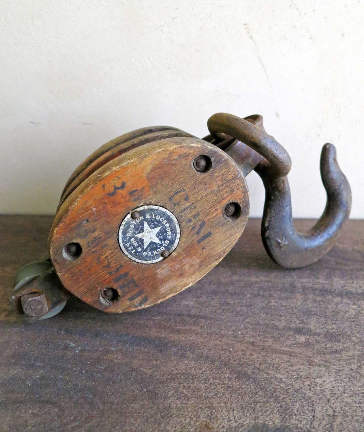 Antique small wood pulley boston lockport block co maritime for Uses for old pulleys