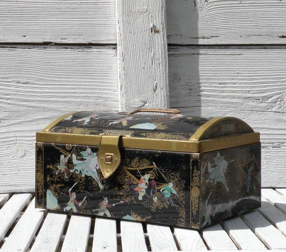 Large vintage tin, keepsake box, Belgian tin box, Oriental tin box, country home, shabby chic tin box storage box keepsake tin box metal box