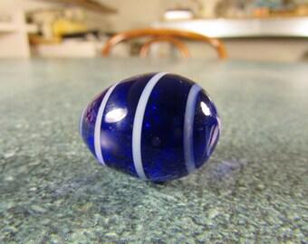Art Glass Cobalt Blue & White Swirl Egg