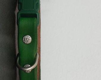 Purrfect Leather Cat Collar - Green - Breakaway Leather Cat Collar - Cat Collar - Break-Away Collar - Safety Break Away Collar