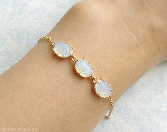 Opal bracelet, white opal stone bracelet, dainty bracelet gold chain, delicate bracelet modern, adjustable gold bracelet, Christmas gift