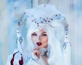Ready to Ship huge beautiful Vampire Headdress Devil Queen Crown Trim Faux Horns Tassels Headpiece Lady Gaga Halloween Costume
