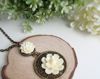 Ivory Flower Necklace Boho Flower Pendant Ivory Jewelry for Bridesmaids Jewelry with Flowers Nature Lover Gift Boho Flower Jewelry for Bride