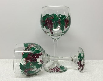 Grapevine Themed Hand Painted Wine Glasses (set of 2)