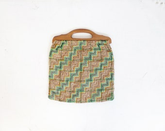Vintage 1970s Wood Handle Woven Zig Zag Chevron Print Bag