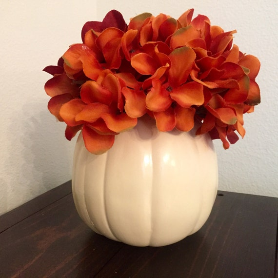 White pumpkin centerpiece thanksgiving hydrangea