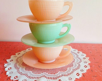 Set of 3 Dominion glass saguenay pattern pastel pink and mint green cups and saucers
