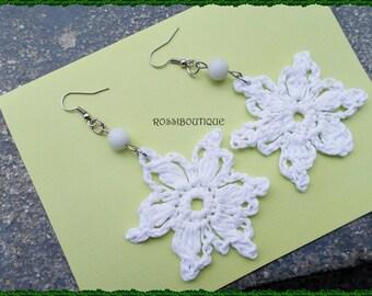 White Crochet earrings, Snowflake Earrings, Holiday Earrings,  Crochet jewelry, trendy earrings, unique earrings, Handmade Jewelry