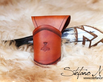 UNIQUE - VALFODR - Norse drinking horn and horn-holder