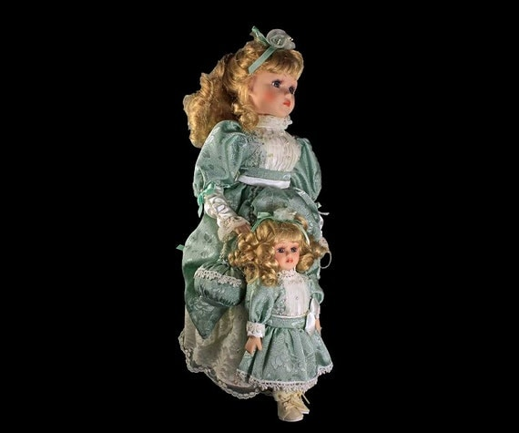 Heritage Signature Porcelain Dolls, Mother and Daughter, Julia & Joanna, Victorian Dolls, Set of 2, Sea Green Dresses, Hand Painted