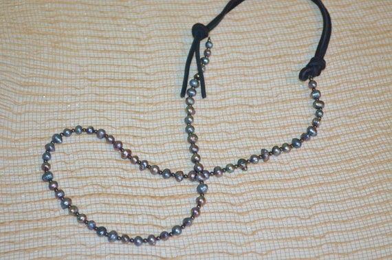 Necklace Pearls & Leather, Fresh Water Pearl Necklace, Black Leather Pearl Necklace, Peacock Pearl Necklace, Pearl Necklace, Cool Pearls