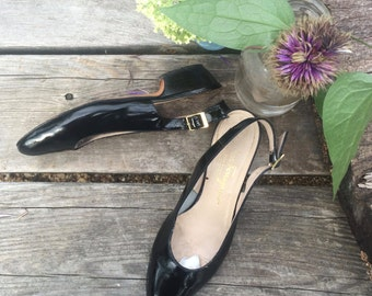 Vintage 80s Salvatore Ferragamo Boutique Black Patent Leather Slighbacks / Low Heel / Made in Italy / Women's Size 5.5 B