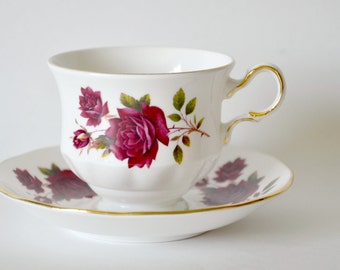 Vintage Queen Anne English tea cup and saucer red rose pattern no. 8626 gold trim / Bone china tea set teacup / Cottage chic shabby tea cup