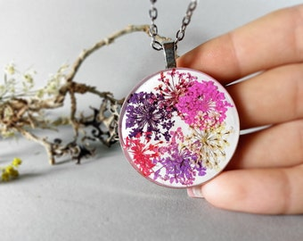 Queen Anne Lace pressed flowers resin pendant, purple and pink mix, christmas gift for her, botanical jewelry