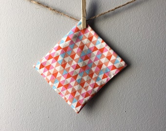 Reusable Snack Pouch, Eco-Friendly Snack Bag, Pink & Blue Triangles