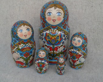 Handpainted Matryoshka.Russian matryoshka, babushka russian nesting doll (5 pcs.)