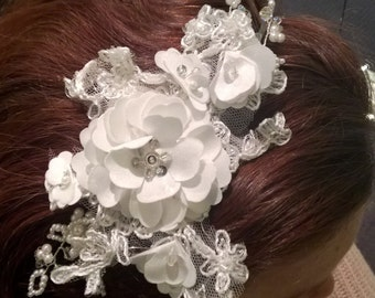 Ivory Headpiece, made from Lace, Pearls & Swarovski Crystals, Vintage sidepiece