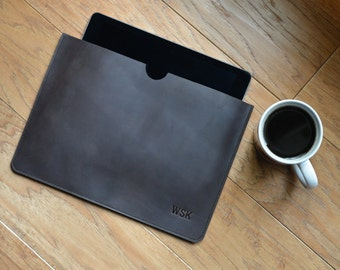 Leather iPad Tablet Sleeve-Free Monogram-Personalized Gift for Man Groomsmen  Boyfriend Dad Grad mac Case Felix Street Leather Black Stone