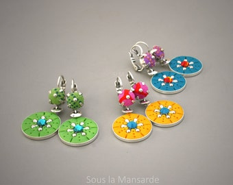 Dangle earrings with round pendant, fabric, polymer clay, cristal - Sous la Mansarde®, hippie, ethnic, colorful earring, medallion