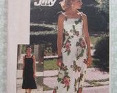 Misses Knit Dress in Two Lengths Size Medium (12-14) Vintage 1970's Simplicity Pattern 7519 UNCUT