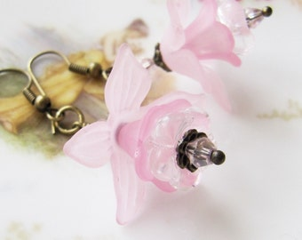 Pink flower earrings, vintage style jewelry, pink dangle earrings, bronze earrings, romantic jewelry, Europe