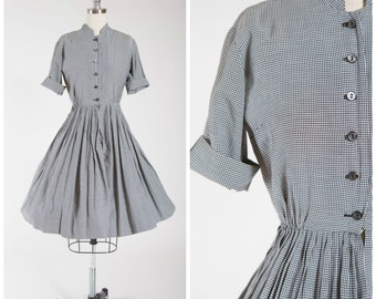 Vintage 1950s Dress • Homefires Burning • Gingham Cotton 50s Day Dress Size Small